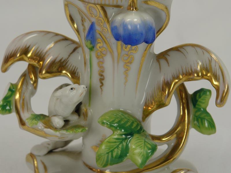 Paar Vasen, 2. Hälfte 19. Jh., ungemarkt, wohl Böhmen, ziervergoldet, bestoßen. H: 13,5 cm 3