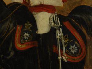 Gemälde, unleserlich signiert, Ende 19. Jh., Öl auf Holz, Darstellung eines englischen Offiziers der Leibgarde, sehr guter Zustand, Rahmen bestoßen, rückseitig Stempel wohl Pariser Galerie. B: 26 cm, H: 39 cm 3
