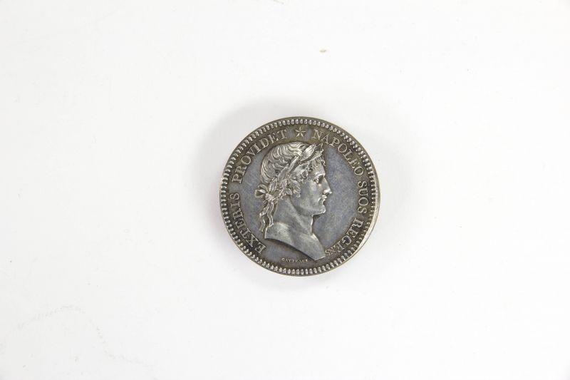 Medaille, Frankreich, Silber, sig. Gatteaux, Vorderseite Halbportrait von Napoléon, Rückseite lateinische Inschrift, Zustand: ss D: 32 mm