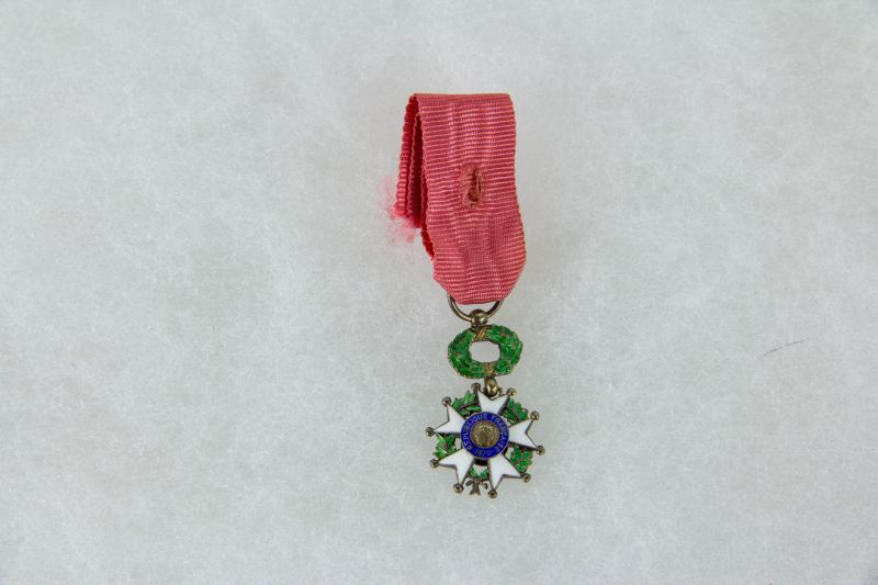 Ordensminiatur, Frankreich, 20. Jh., Miniatur zum Orden der Ehrenlegion, Ritter, Silber, 9. Modell, guter Zustand