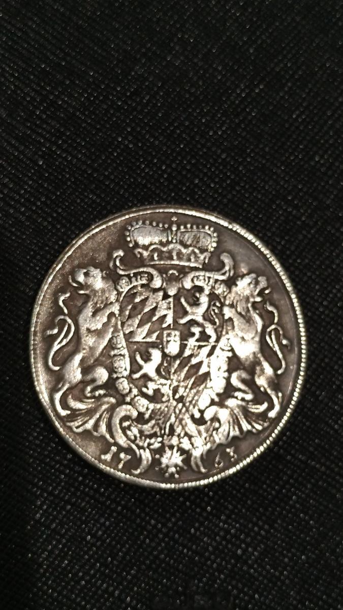 Bayern Taler, von 1763, beschädigt. 0