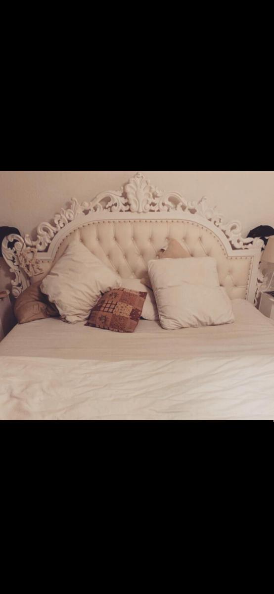 Massivholzbett 180x200cm Barockbett/Vintage Doppelbett / Kingsize antik mit auswendigem Kopfteil. 0