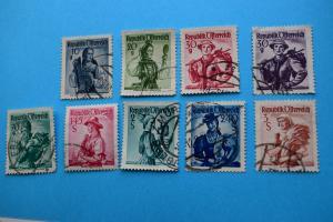 Freimarken: Trachten - 9 Briefmarken gestempelt
