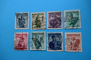 Freimarken: Trachten - 8 Briefmarken gestempelt