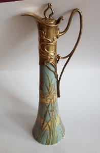 Jugendstil Keramikkanne mit Messingmontierung