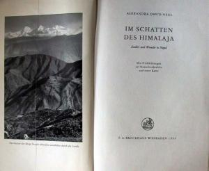 David-Neel, Alexandra: Im Schatten des Himalaja. Zauber und Wunder in Nepal.