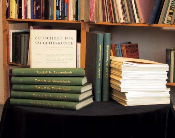 Becker K., Herter K., Nachtsheim H., Starck D. und Zimmermann K. (Hrsg.): Zeitschrift für Säugetierkunde. (Band 21-35).