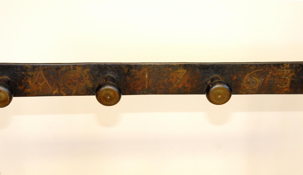 Antiker Kamingesteckhalter von 1763 Kaminbesteck Schmiedeeisen original 2