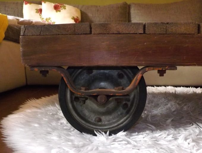 antik fabriklook couchtisch holztisch handmade unikat. Black Bedroom Furniture Sets. Home Design Ideas