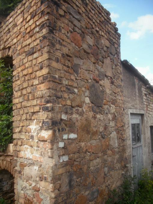 alte steine naturstein feldsteine bruchstein mauer trockenmauer r. Black Bedroom Furniture Sets. Home Design Ideas
