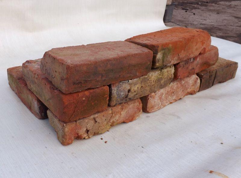 Gebrauchte Alte Mauersteine Historische Klinker Gerumpelte Abgewetzte Loft Ruine Garten