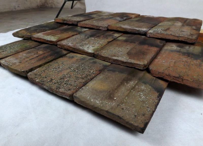 historische handstrich Biberschwanz Dachziegel Dachsteine Tonziegel Deko Mauerwerksabdeckung