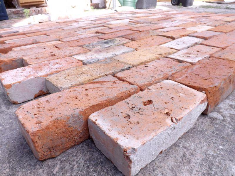 Pflastersteine Ziegelpflaster antik Backsteine Klinker Mauersteine Bodenziegel Terrasse Landhaus 2