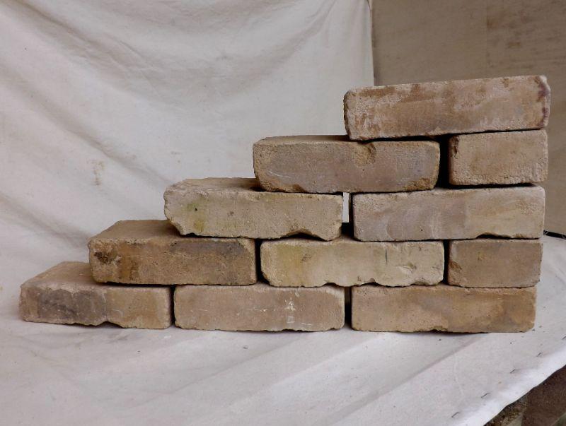 historische Reichsformat Steine Ziegelsteine Ziegel Klinker Backsteine Mauersteine mediterran