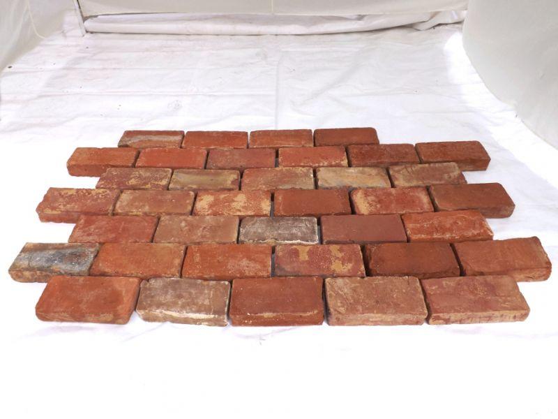 Bodenziegel Bodenplatten Weinkeller Antikziegel alte Mauersteine Backsteine Terracotta Ziegelboden  3
