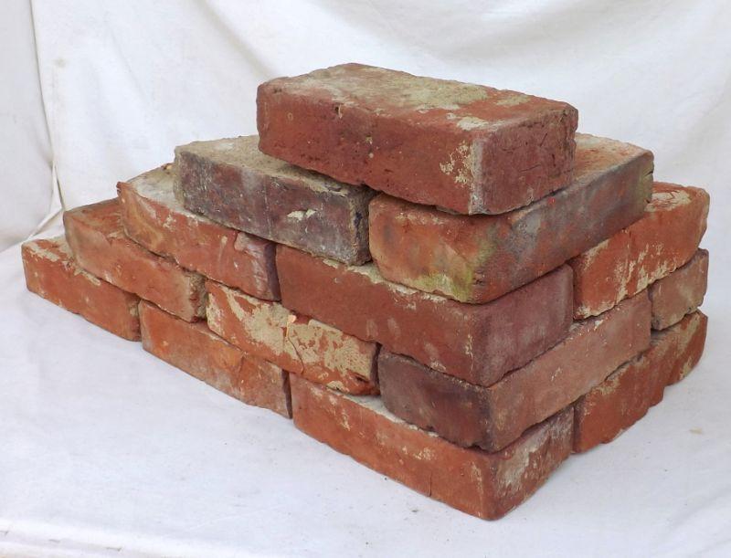 Antikziegel gerumpelte Mauersteine Ziegel Klinker Backsteine Verblender Ruinenmauer Sommerküche