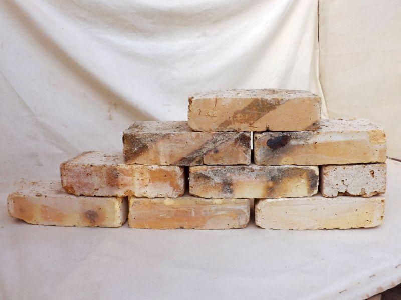 Historische Reichsformat Ziegelsteine Klinker Backsteine Mauersteine Rückbausteine mediterran