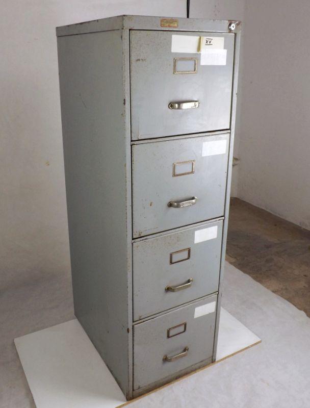 Aktenschrank Beistellschrank vintage used look Metallschrank Blechschrank Spind Kommode Apothekerkommode Hochkommode