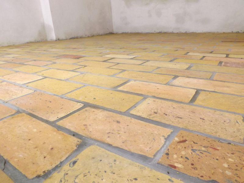 Bodenplatten Bodenziegel Bodenfliesen Backstein alte Mauersteine geschnitten Landhaus shabby chic  6