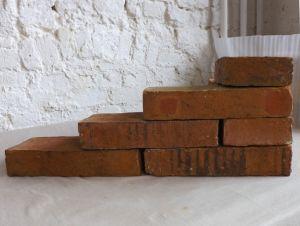 historische Ziegel antike Klinker Backsteine Mauerstein Feldbrand ähnl. Klosterformat Gartensteine Rückbausteine