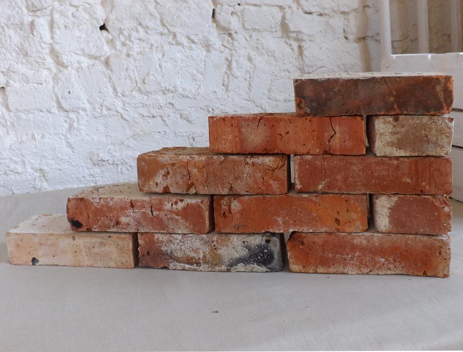 alte Ziegelsteine Klinker Backsteine gebrauchte Mauersteine Antikziegel Verblender historisches Mauerwerk Weinkeller Ruinenmauer Gartensteine Gartenmauer Grill Sommerküche 0