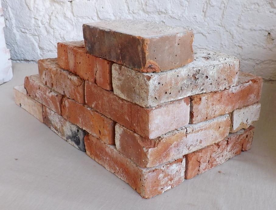 alte Ziegelsteine Klinker Backsteine gebrauchte Mauersteine Antikziegel Verblender historisches Mauerwerk Weinkeller Ruinenmauer Gartensteine Gartenmauer Grill Sommerküche 1