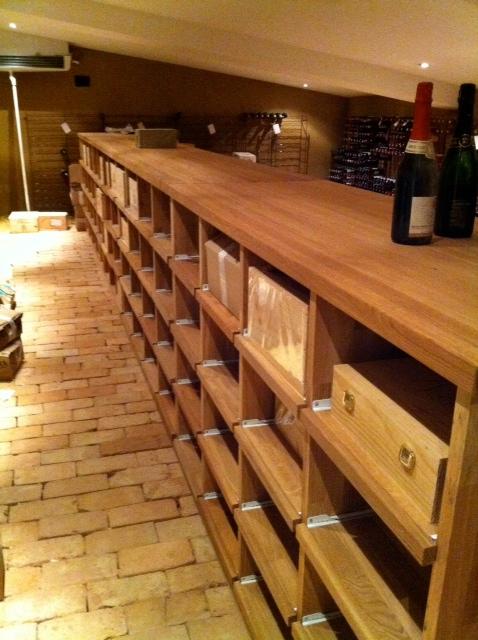 Ziegelboden Bodenplatten Weinkeller Antikziegel alte Mauersteine Backsteine Terrakotta Gewölbekeller 5