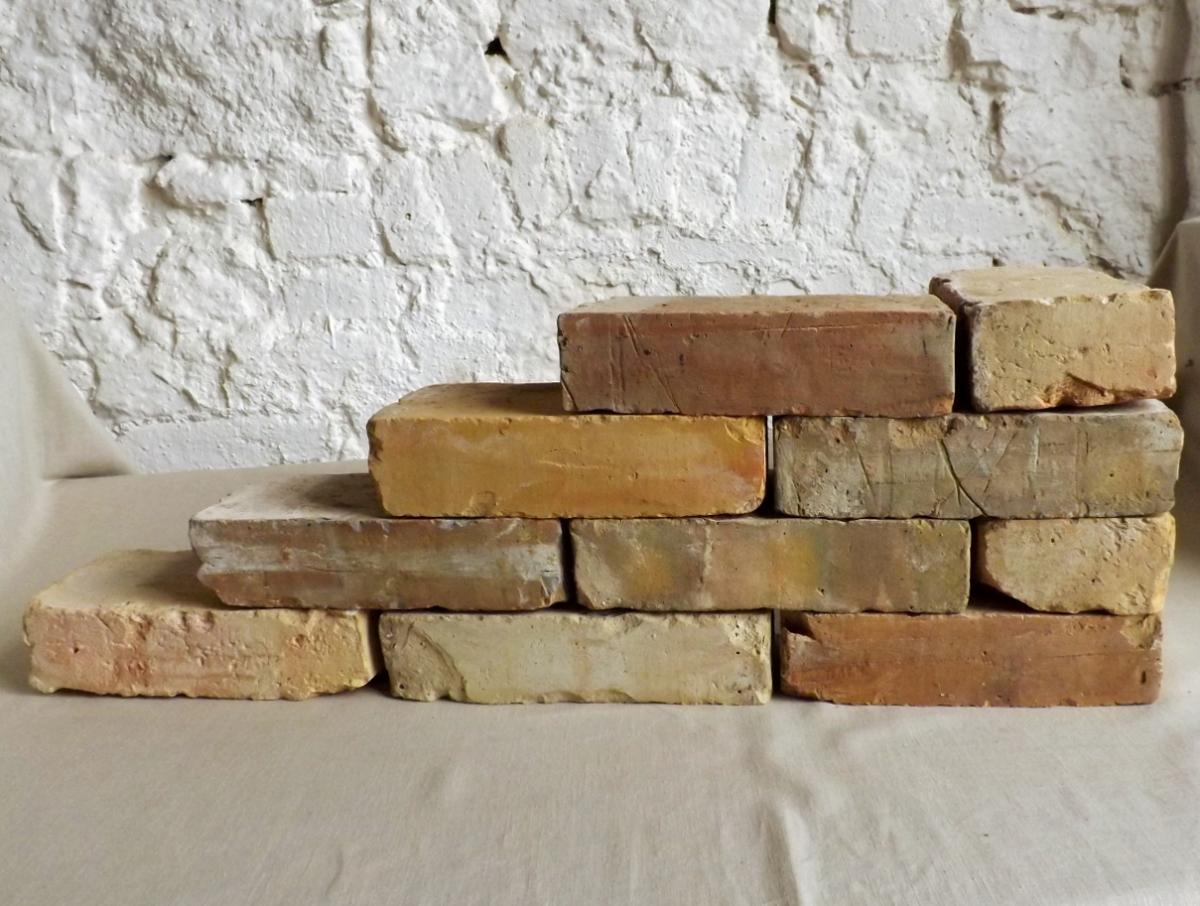 Antike Ziegelsteine rustikale Klinker Verblender alte Mauersteine historisches Mauerwerk mediterran  0