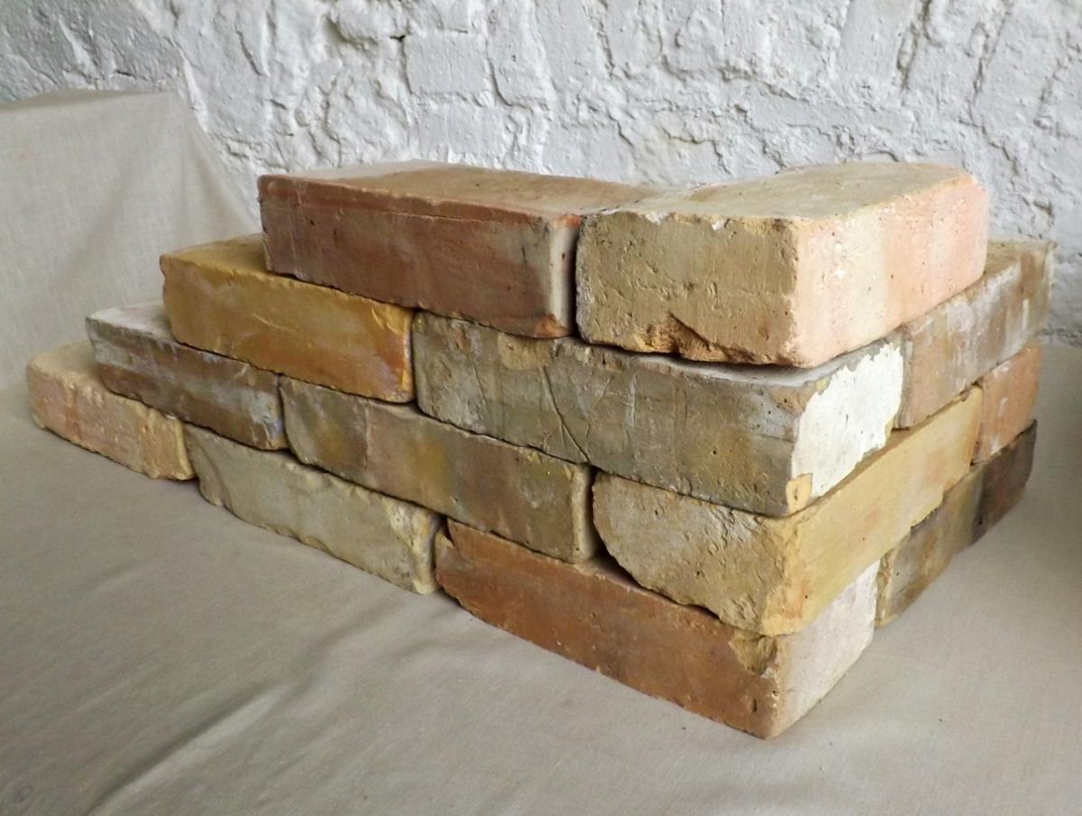 Antike Ziegelsteine rustikale Klinker Verblender alte Mauersteine historisches Mauerwerk mediterran  1