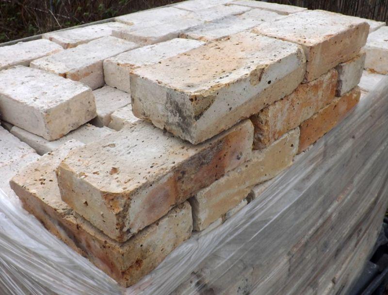 antike ziegel backsteine weinkeller mauerwerk loft fabrikoptik oldthing steine. Black Bedroom Furniture Sets. Home Design Ideas