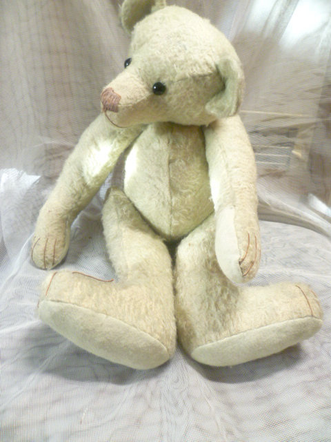 Seltener, antiker Vorkriegs- ausgeprägter ganz besonderer buckeliger Charakter Teddybär  Ein uralter, charmanter Bär wohl um 1920 er Jahre 0