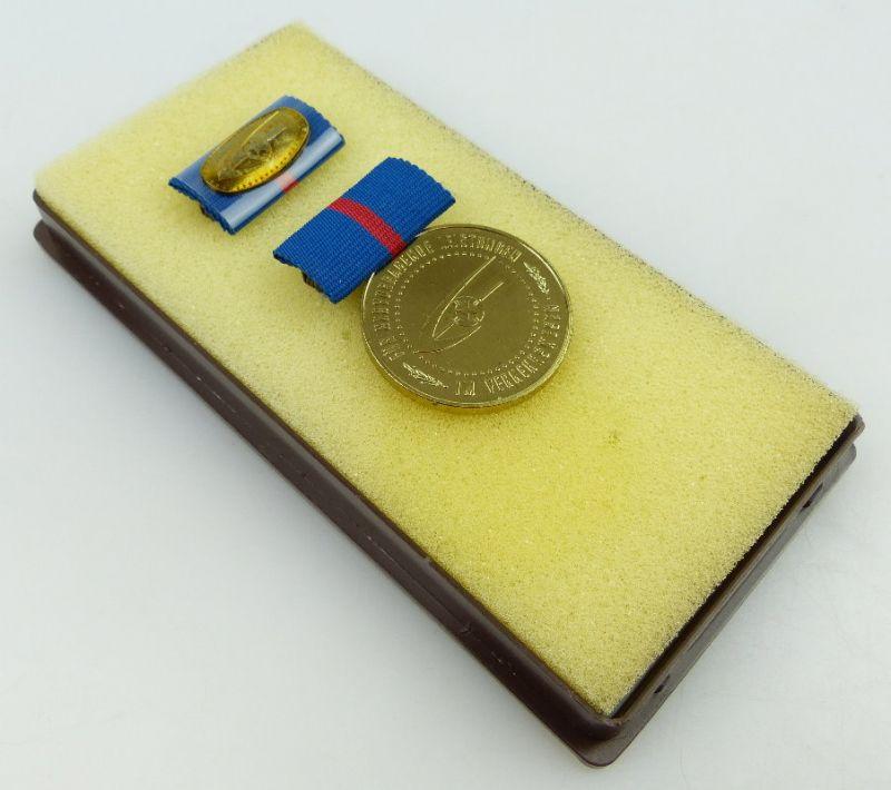 Medaille für hervorragende Leistungen im Verkehrswesen der DDR, Orden910