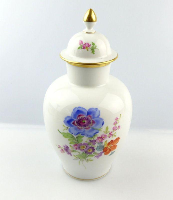 e4328 meissen porzellan vase mit deckel 2 wahl mit bunten blumen goldrand nr 291913815583. Black Bedroom Furniture Sets. Home Design Ideas