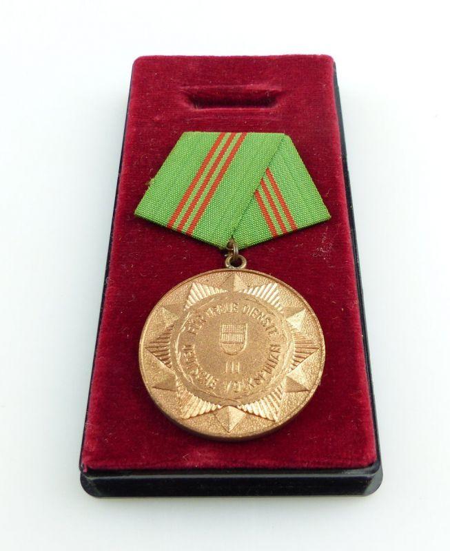 #e2996 Medaille für treue Dienste i.d. bewaffneten Organen des MdI Nr.143a 1964