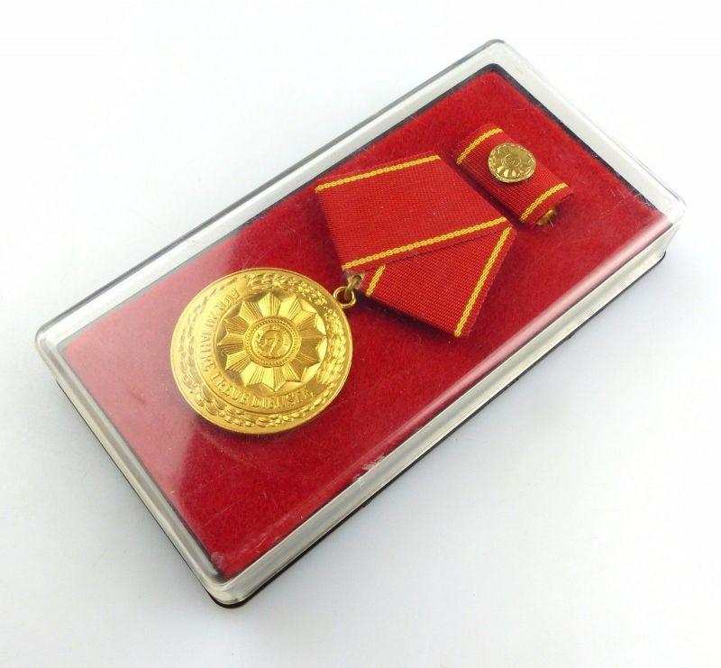 #e5594 DDR Medaille für treue Dienste i.d. bewaffneten Organen des MdI Nr. 140 a