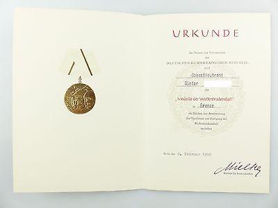 #e6753 Urkunde: Medaille Waffenbrüderschaft Bronze verliehen 1980 Oberstleutnant