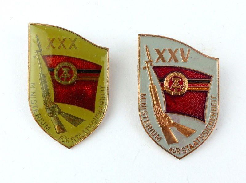 #e7617 2 Erinnerungsabzeichen 25 Jahre MfS & 30 Jahre MfS