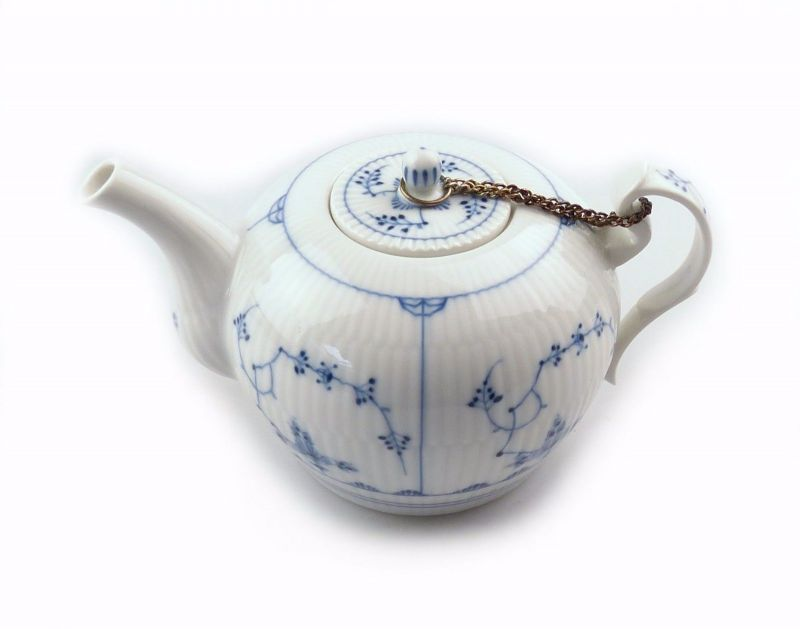 #e7540 Wunderschöne kleine Teekanne Wallendorf Porzellan Blau Dresmer