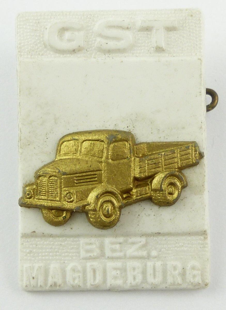 #e7875 DDR Festabzeichen der GST Magdeburg Nr. 989 Lastkraftwagen