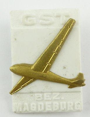 #e7874 DDR Festabzeichen der GST Magdeburg Nr. 982 Segelflugzeug