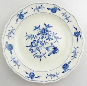 #e8348 Meissen Porzellan Teller 2. Wahl mit Apfelmuster blau weiß