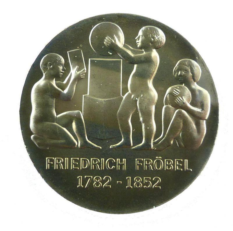 #e8666 DDR 5-Mark-Gedenkmünze von 1982 - Friedrich Fröbel 1782-1852