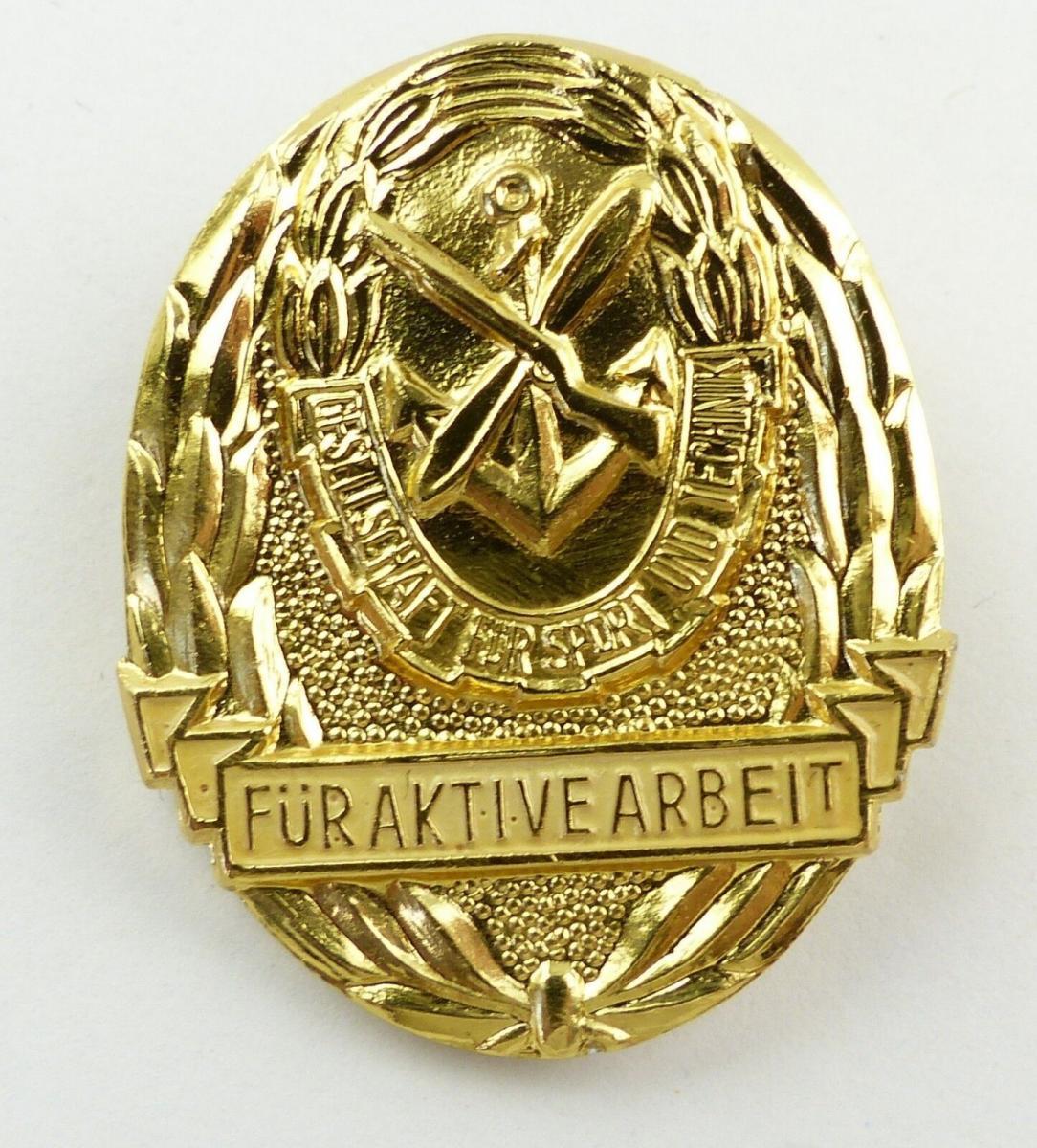 #e8976 Abzeichen / Medaille für aktive Arbeit in der GST vgl. Nr. 11 f (ab 1960)