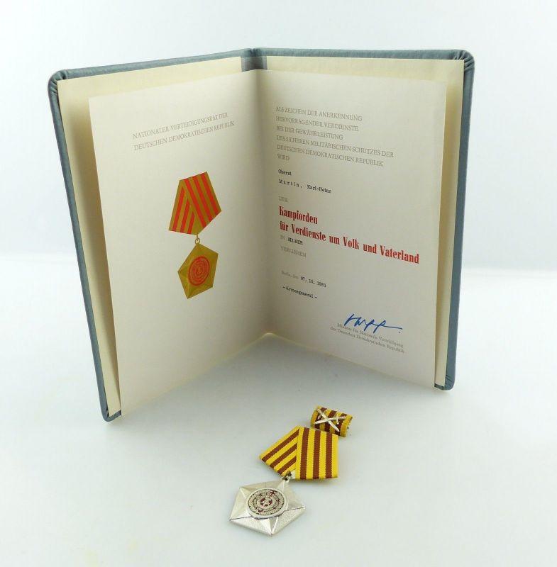 E9154 Original Kampforden in Silber 1981 verliehen an Oberst Martin mit Urkunde