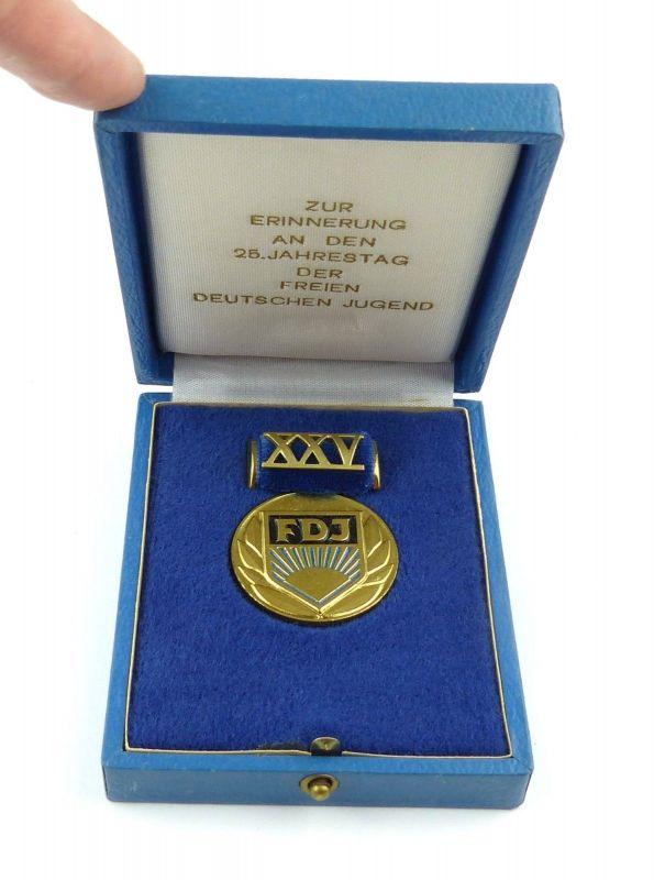 E9149 Medaille Zur Erinnerung an den 25. Jahrestag der FDJ Freie Deutsche Jugend