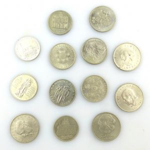 E9102 13 alte DDR Münzen (insgesamt 155 DDR Mark) z.B. Weltfestspiele