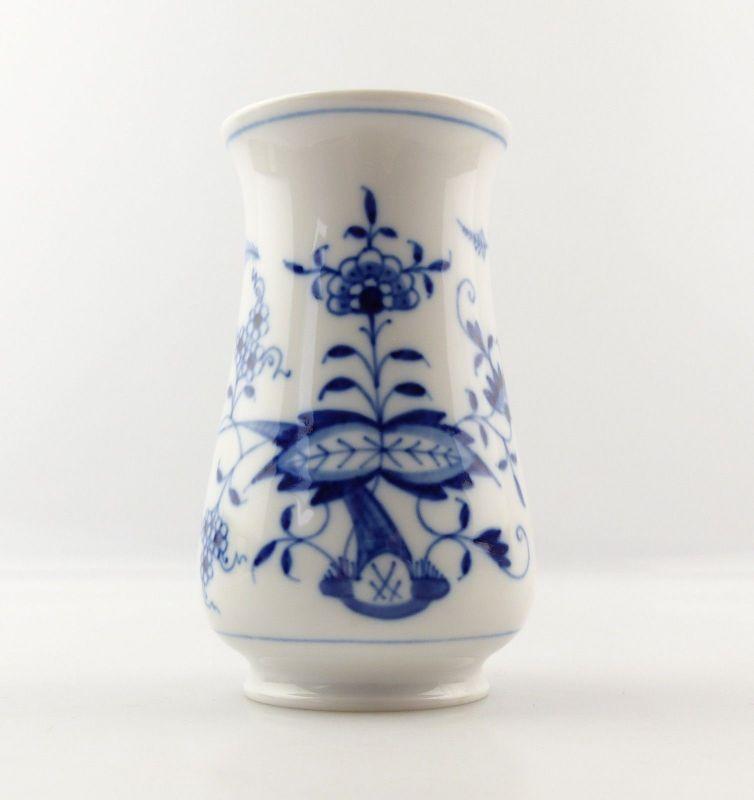 E9238 Kleine Meissen Vase 1. Wahl kleine Beschädigung am Standring