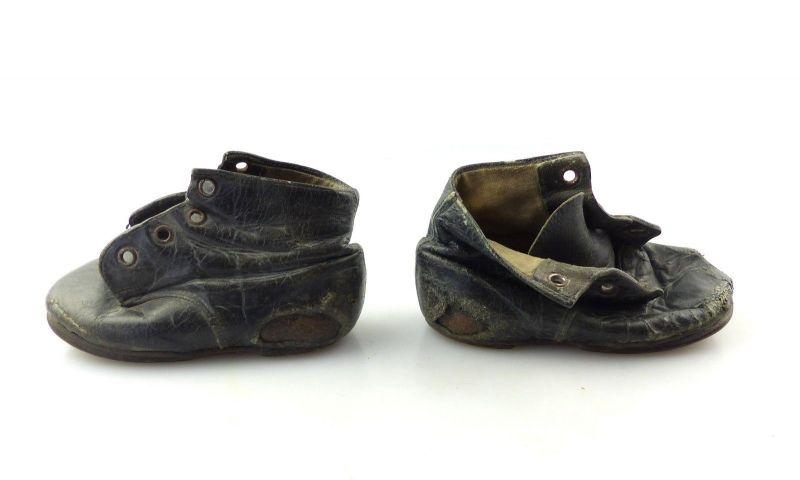 E9299 1 altes Paar Kinderschuhe Kleinkind Schuhe aus Leder wohl 30er Jahre