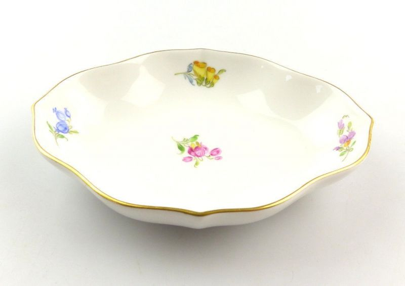 #e4259 Kleine Meissen Porzellan Schale 1. Wahl mit Streublümchen & Goldrand