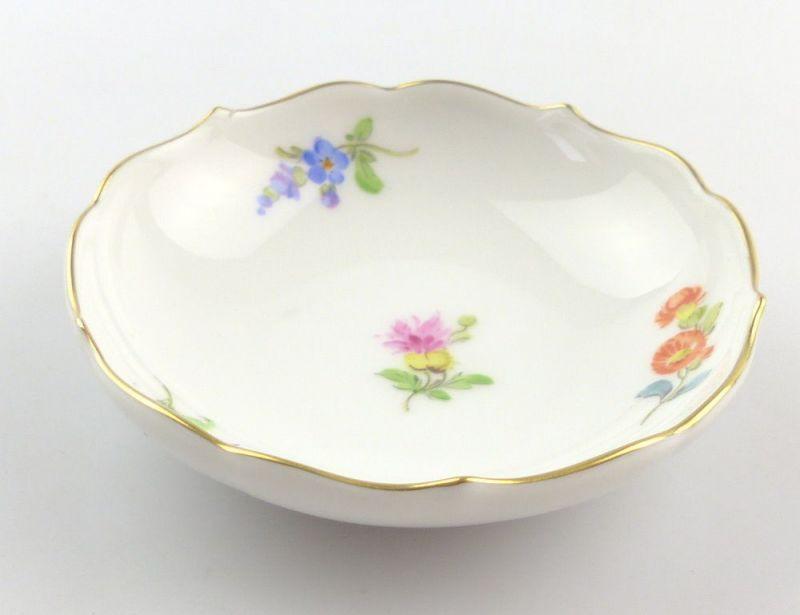 #e4252 Kleine Meissen Porzellan Schale 1. Wahl mit Streublümchen & Goldrand